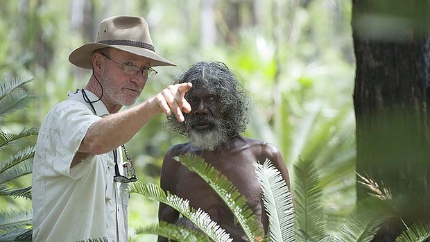 Rolf de Heer and David Gulpilil on the set of Charlie's Country